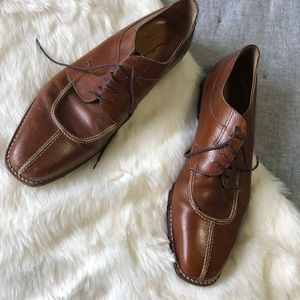 Santoni Classico Italy genuine leather shoe scuffs